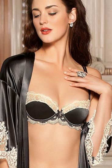 Abbildung zu Halbschalen-BH (ACC3010) der Marke Lise Charmel aus der Serie Glamour Soie
