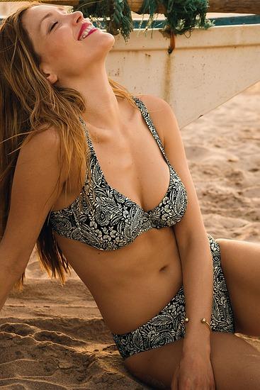 Abbildung zu Bikini-Set Henny (L6 8832) der Marke Rosa Faia aus der Serie Black Bay