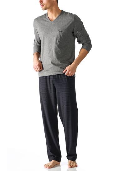 Abbildung zu Pyjama lang, ohne B�ndchen (24881) der Marke Mey aus der Serie Night Dreams