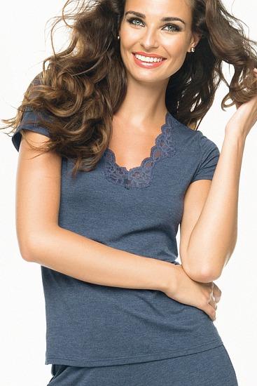 Abbildung zu Wohlfühl-Shirt, V-Ausschnitt (ENA9106) der Marke Antigel aus der Serie Simply Perfect Loungewear