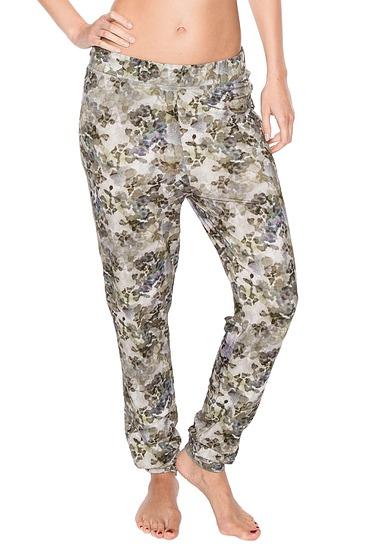 Abbildung zu Koa Leena Legging Long (409508-346) der Marke ESSENZA aus der Serie Essenza Homewear 2016