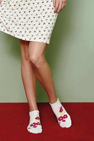 Abbildung zu Socken (61035) der Marke Cheek aus der Serie Sweet Bloom