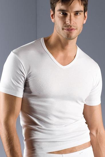 Abbildung zu Shirt, V-Ausschnitt (2807) der Marke Mey Herrenwäsche aus der Serie Noblesse