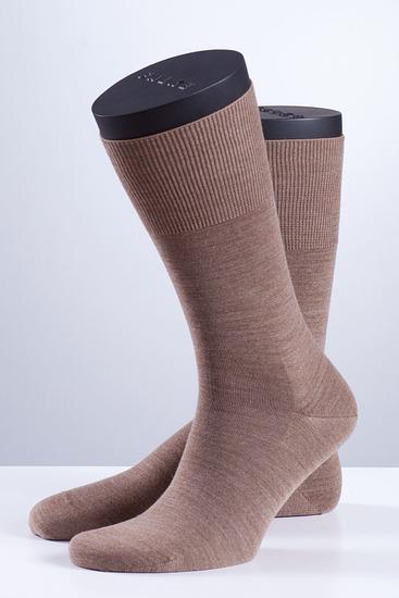 Abbildung zu Socken - AIRPORT (14435) der Marke FALKE aus der Serie City