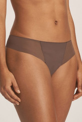 PrimaDonnaEvery WomanString