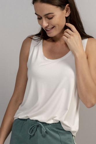 Abbildung zu Shelby Uni Top Sleeveless (401281-305) der Marke ESSENZA aus der Serie Loungewear 2019