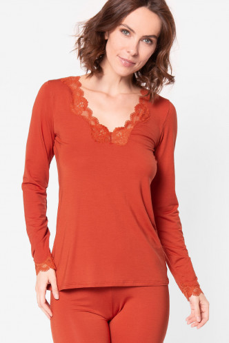 Abbildung zu Wohlfühlshirt langarm (ENA2006) der Marke Antigel aus der Serie Simply Perfect Loungewear