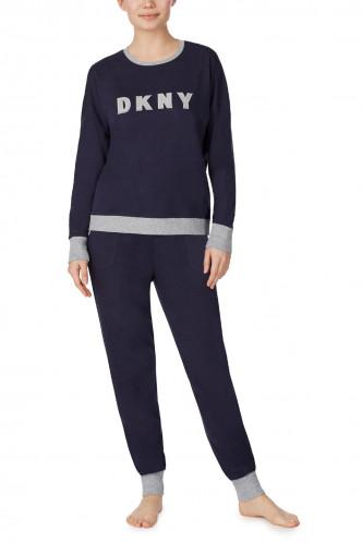Abbildung zu Top & Jogger Set (YI2919259) der Marke DKNY aus der Serie New Signature