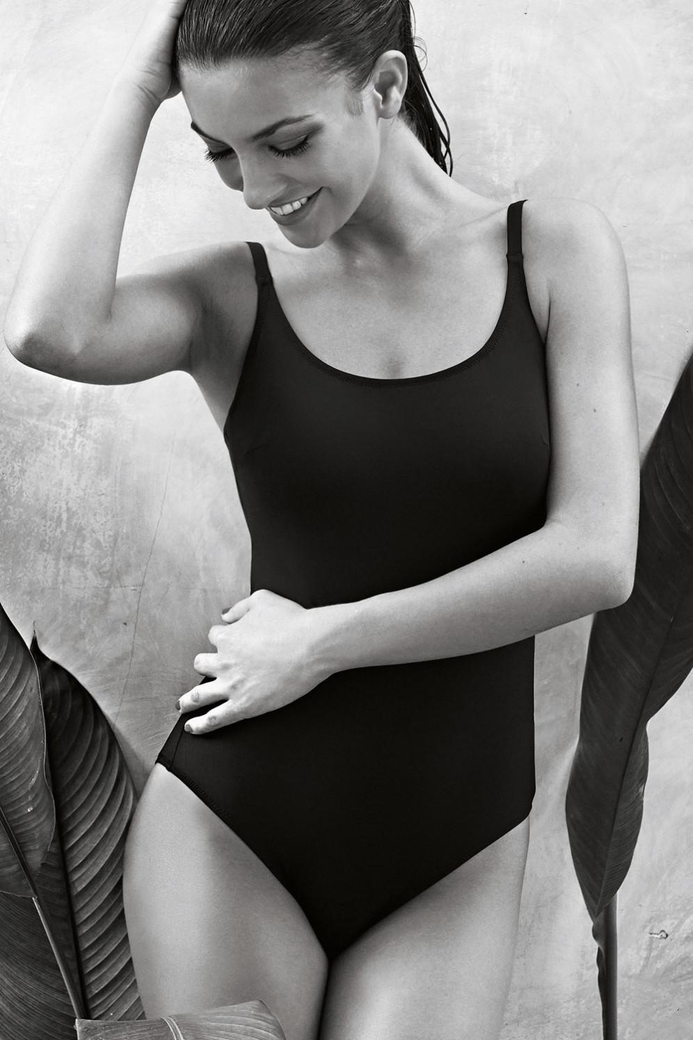 de4f2cd333dad5 Vergrößern Abbildung zu Badeanzug C-G perfect black suit (L8 7703) der  Marke Rosa Faia aus ...